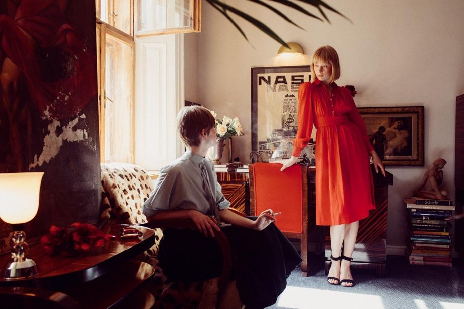 乌克兰摄影师 Marta Syrko人像摄影作品 girls in the house 审美灵感 第10张