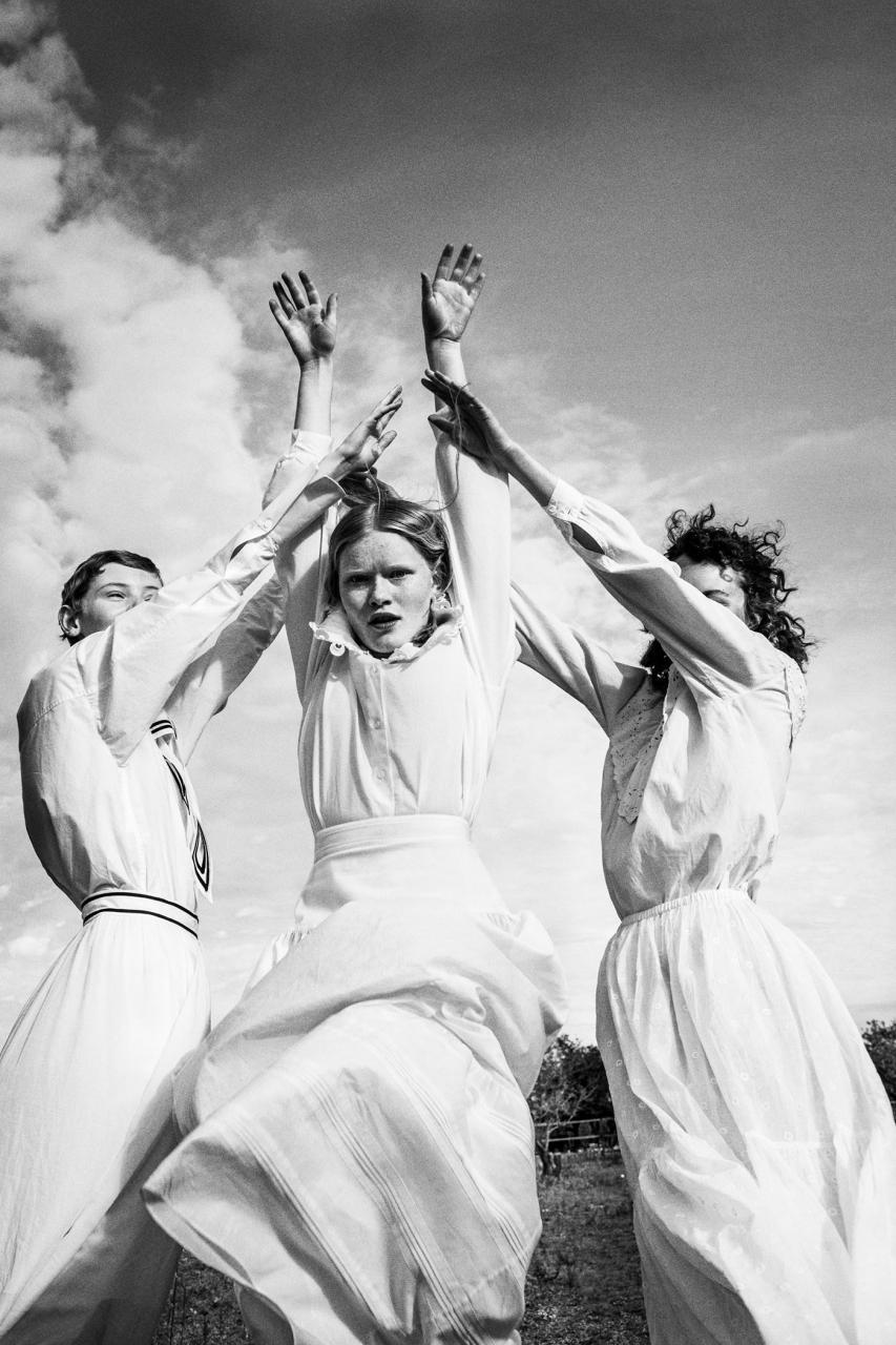 德国摄影师Elizaveta Porodina 外景色彩人像摄影作品分享 时尚图库 第13张