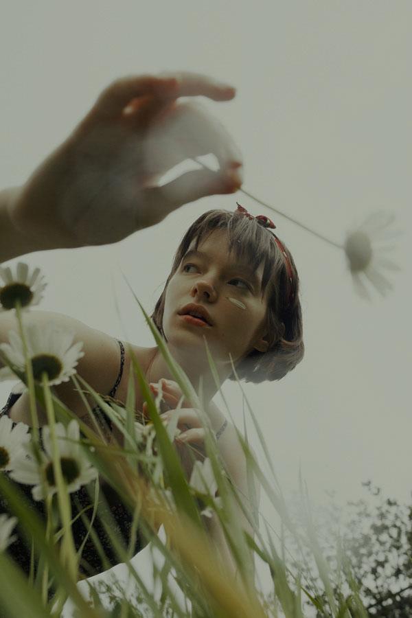 摄影师Marta Bevacqua 低明度人像摄影作品【Springstorm】 时尚图库 第5张