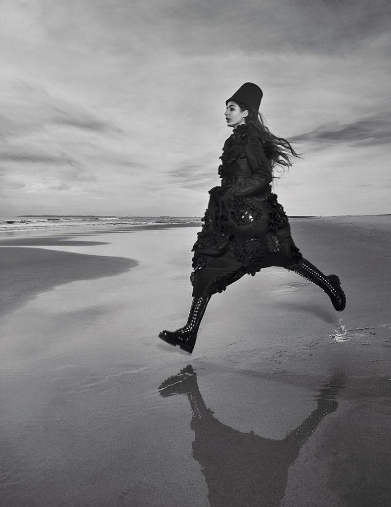 低明度 冷色系 人像摄影作品 视觉效果很棒 时尚图库 第2张