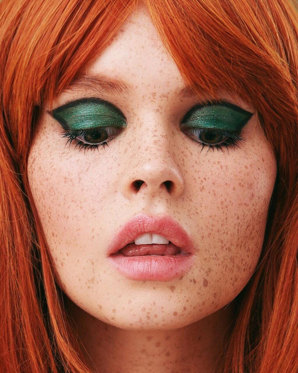 俄罗斯摄影师Kseniya Vetrova人像作品 雀斑女孩特写镜头 时尚图库 第9张