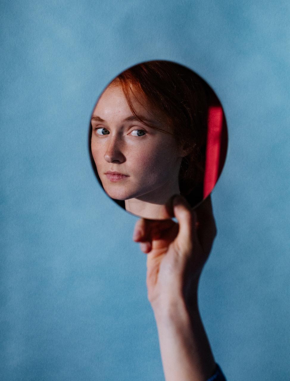 乌克兰摄影史 Marta Syrko人像作品【red and blue】 时尚图库 第13张
