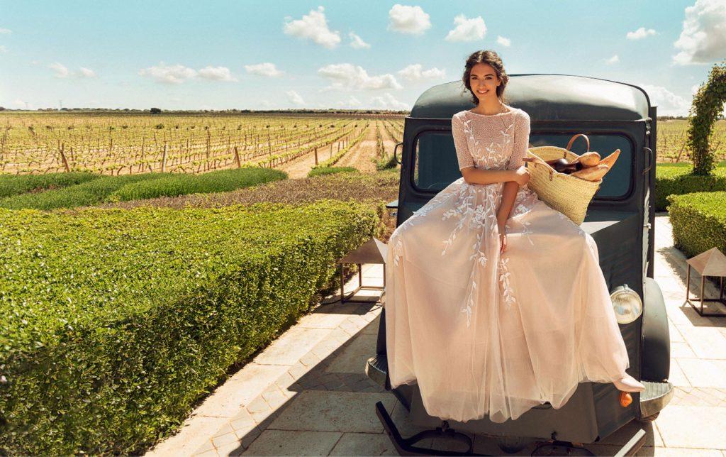 色彩非常强烈的一组外景人像 La Mancha 时尚图库 第1张