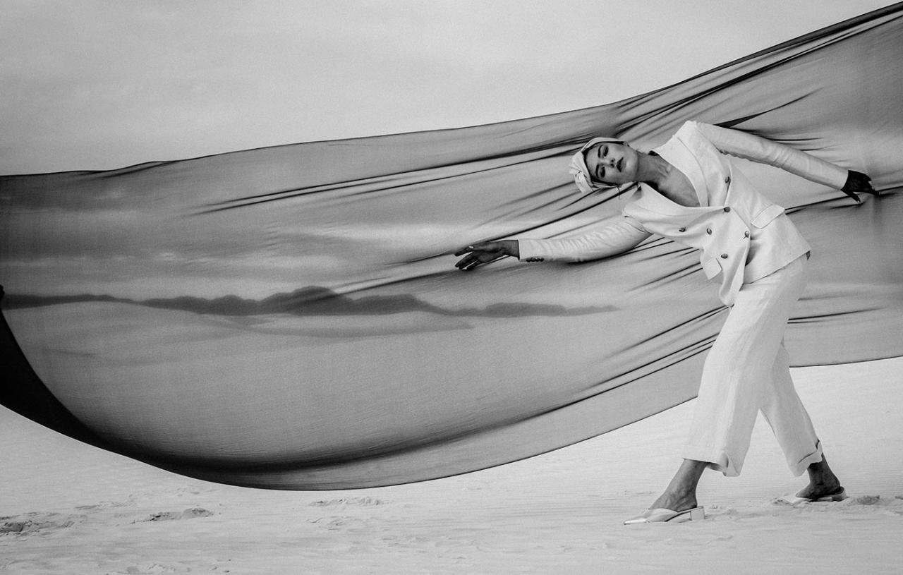 Elizaveta Porodina 摄影作品 The White Sands 服装色彩搭配 时尚图库 第3张