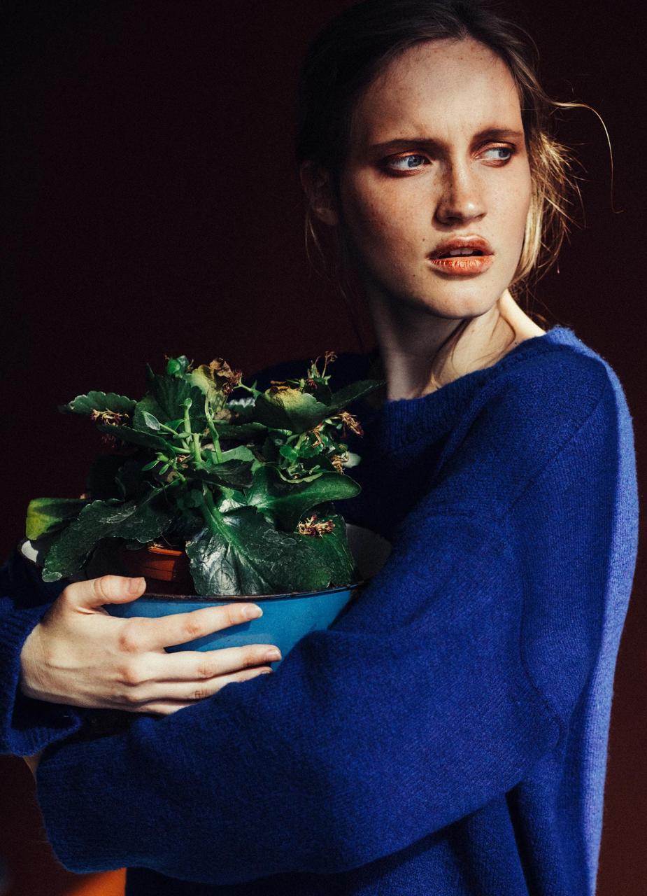 marta syrko 蓝色主题人像摄影作品 审美灵感 第5张