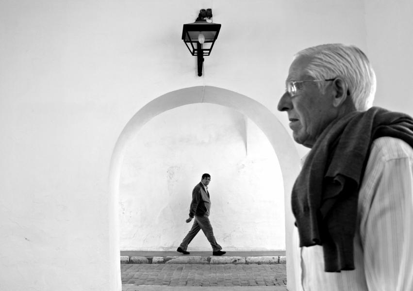 【街头】精彩的镜头瞬间定格照 街头摄影师Antonio E. Ojeda作品 审美灵感 第21张