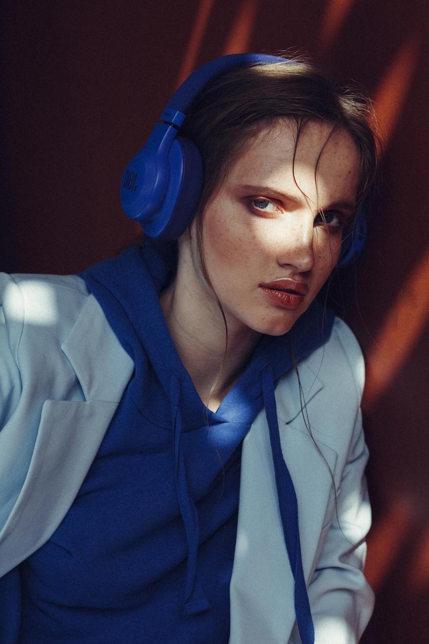 marta syrko 蓝色主题人像摄影作品 审美灵感 第8张