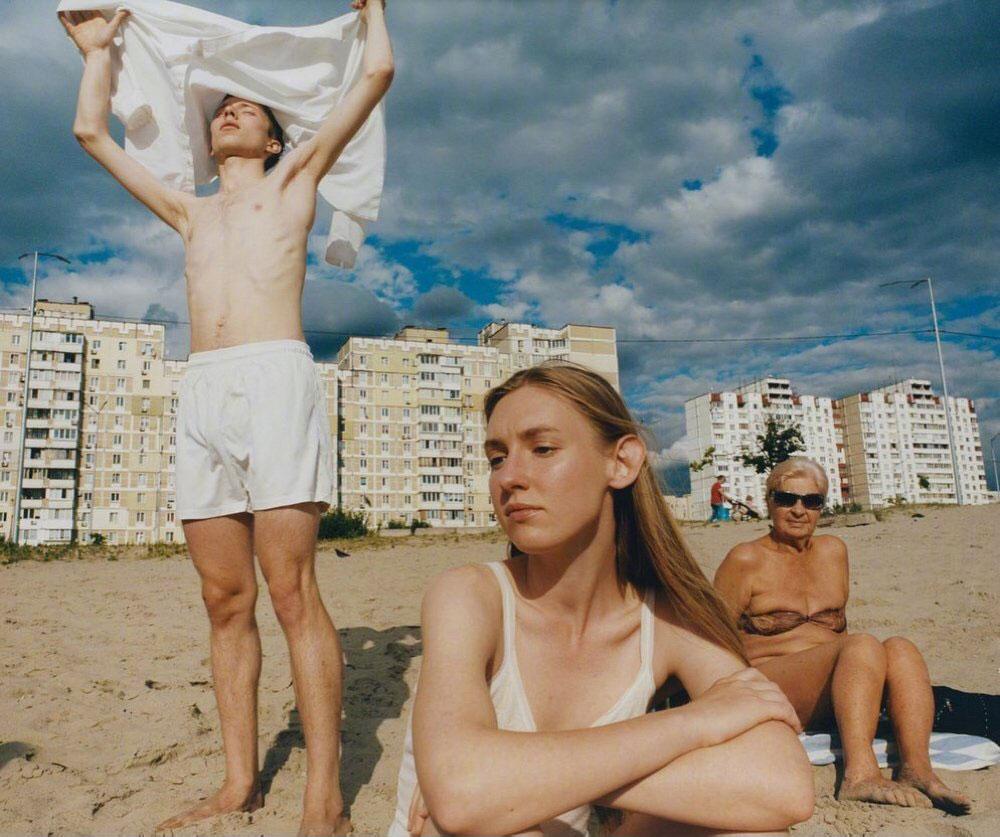乌克兰版《Vogue》九月刊经典的杂志色调 时尚图库 第24张