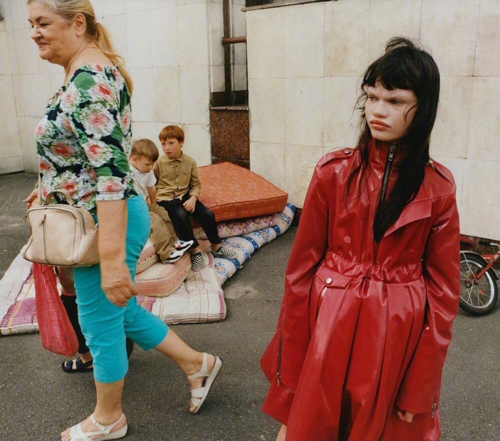 乌克兰版《Vogue》九月刊经典的杂志色调 时尚图库 第4张
