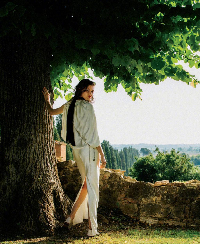 美国版《ELLE》2019年9月刊 浪漫的意大利托斯卡纳之旅. 时尚图库 第5张