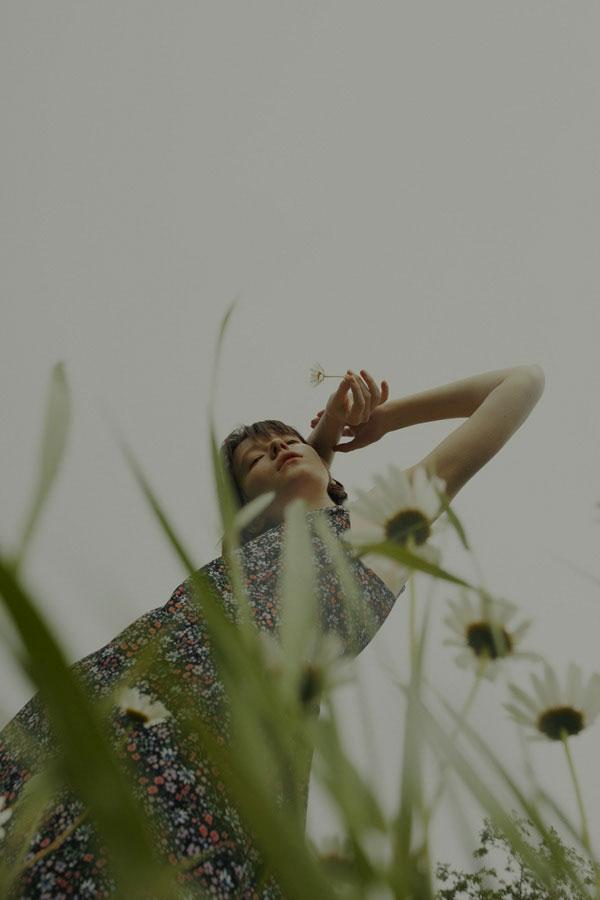摄影师Marta Bevacqua 低明度人像摄影作品【Springstorm】 时尚图库 第6张