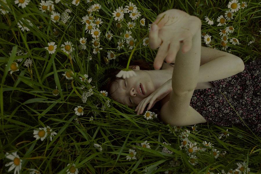 摄影师Marta Bevacqua 低明度人像摄影作品【Springstorm】 时尚图库 第2张