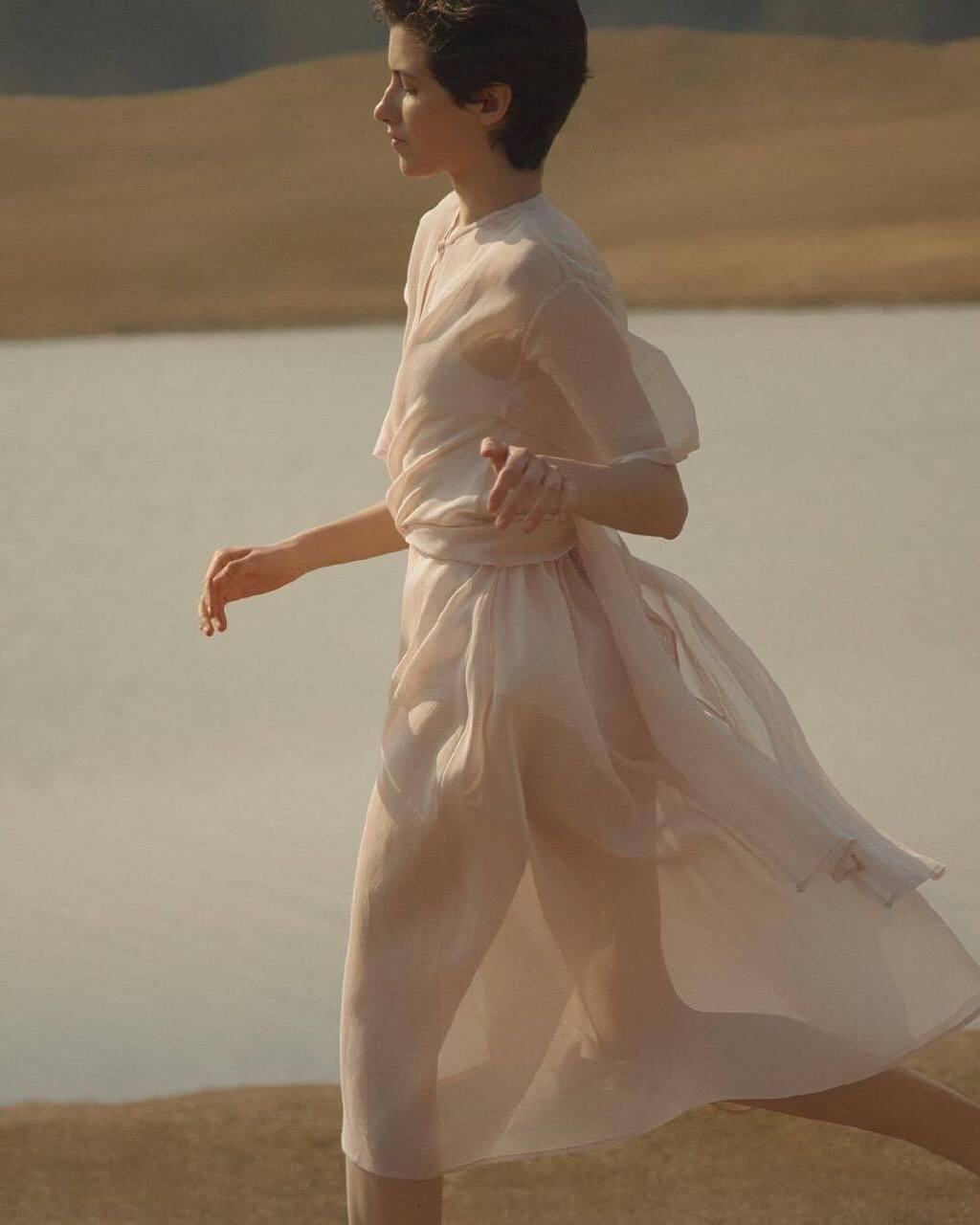 俄罗斯摄影师Anastasia Lisitsyna的人像摄影作品 时尚图库 第1张