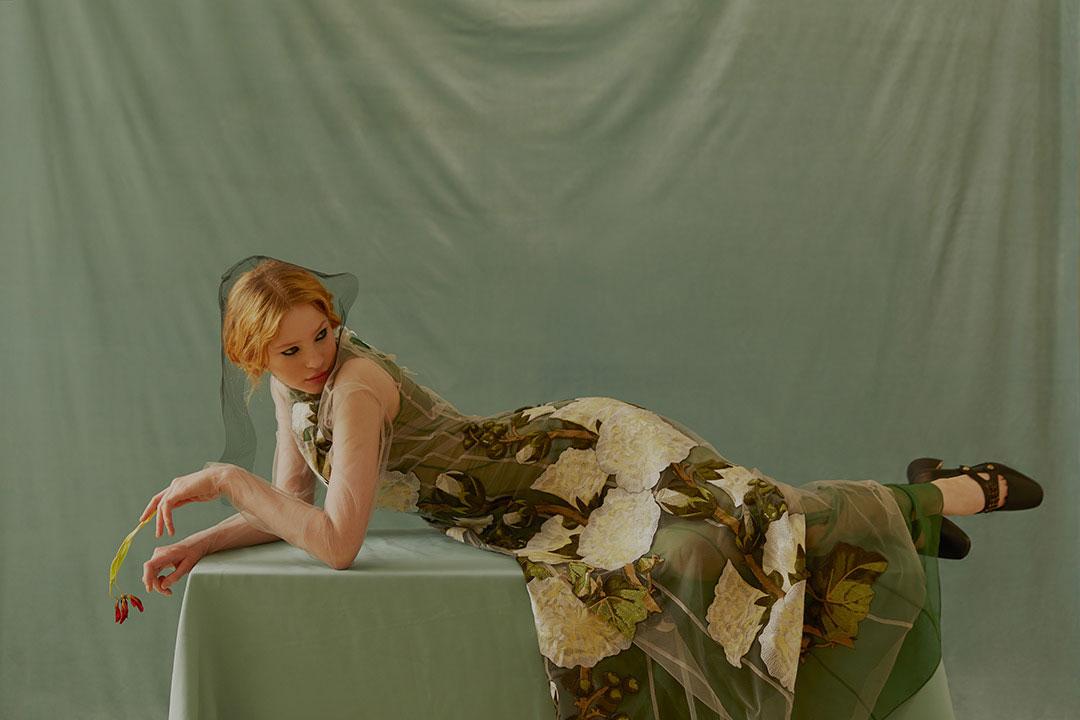 欧美人像暖色调复古人像棚拍时尚大片 审美灵感 第13张
