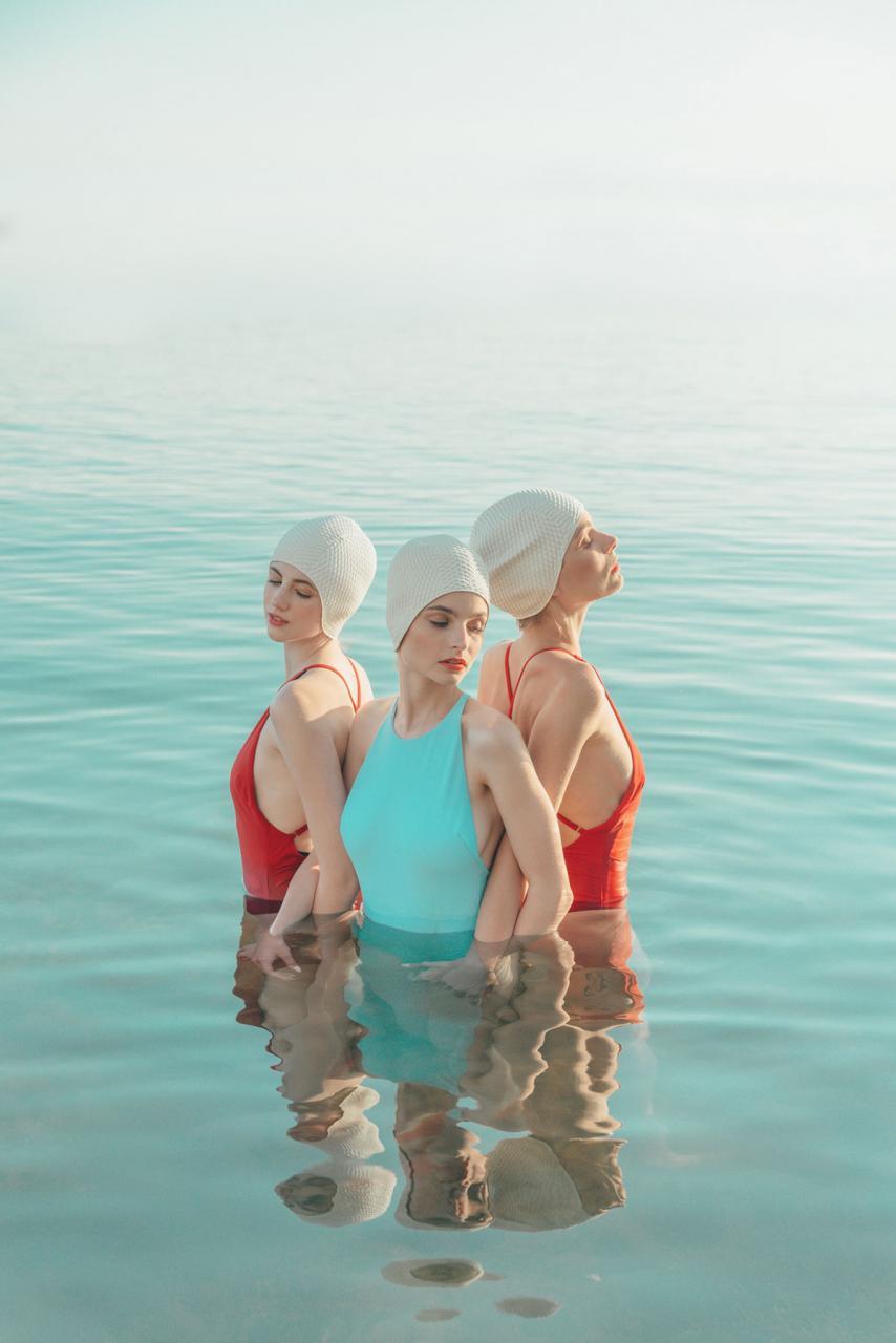 Eszter Sarah 人像摄影作品 Swimmers(配色很棒) 时尚图库 第8张