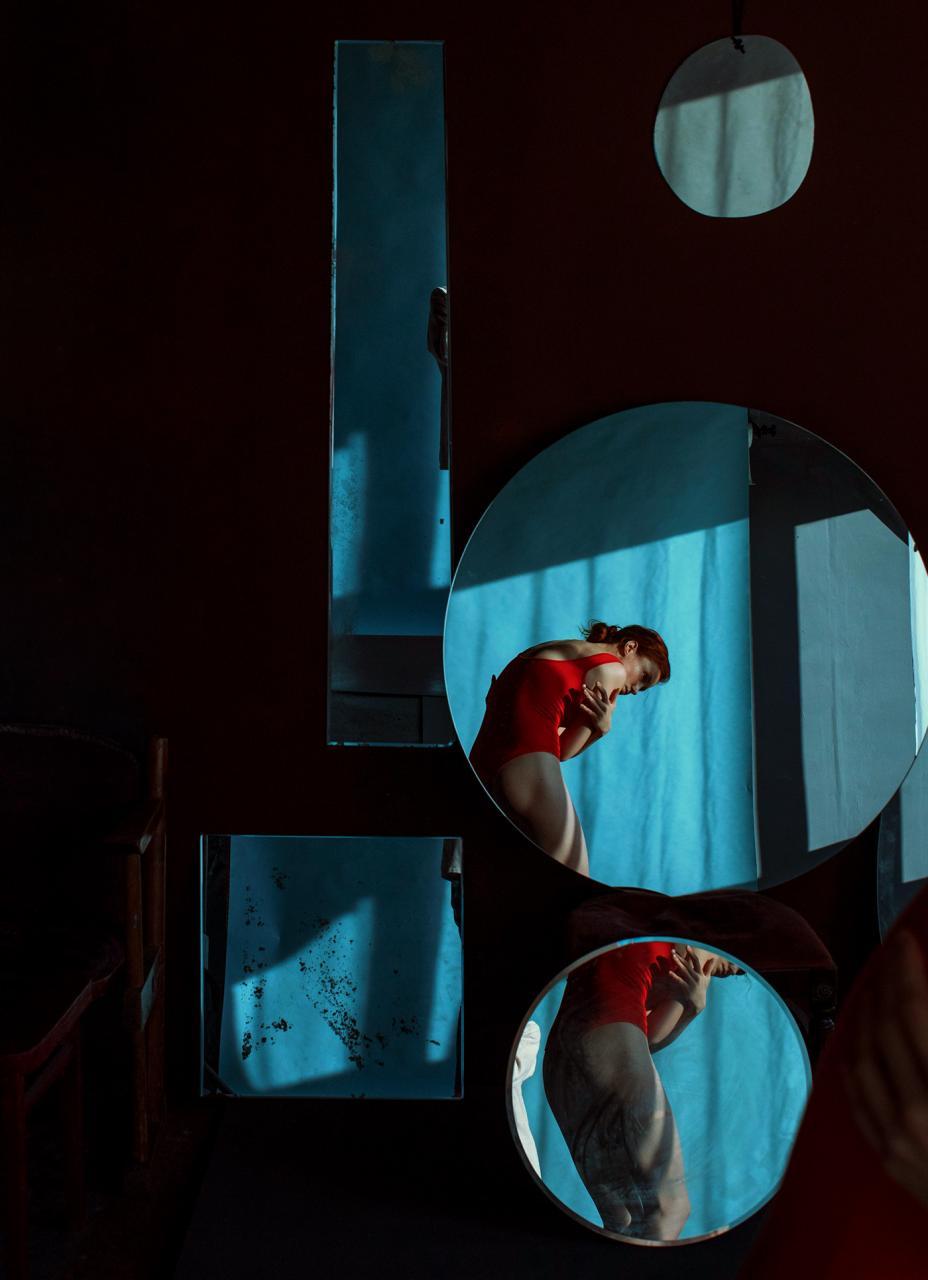 乌克兰摄影史 Marta Syrko人像作品【red and blue】 时尚图库 第12张