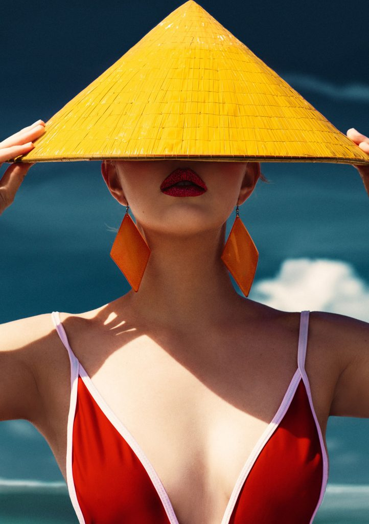 摄影师Elena Iv-skaya 海边彩色人像作品INTO THE BLUE 时尚图库 第16张