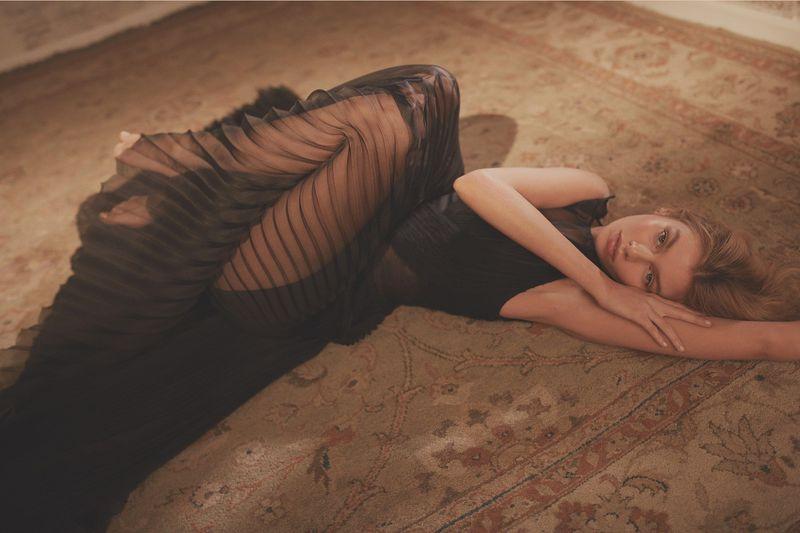 Issue杂志 2018年四月刊摄影作品 超模Stella Maxwell出镜 审美灵感 第4张