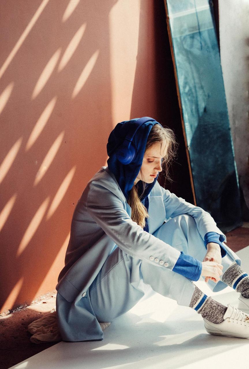 marta syrko 蓝色主题人像摄影作品 审美灵感 第7张