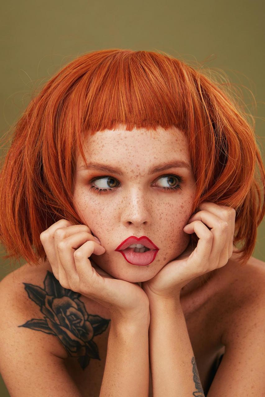 俄罗斯摄影师Kseniya Vetrova人像作品 雀斑女孩特写镜头 时尚图库 第3张