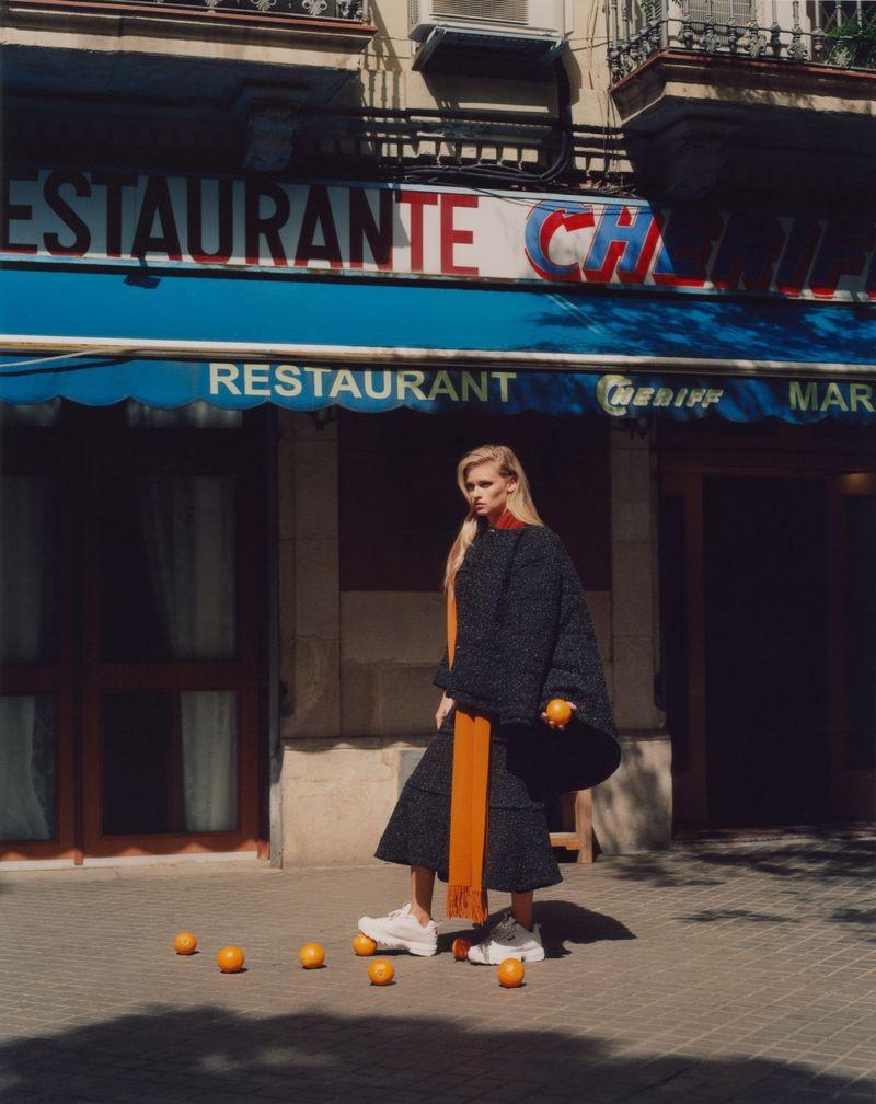 英国《ELLE》杂志8月刊 时尚人像作品 时尚图库 第2张
