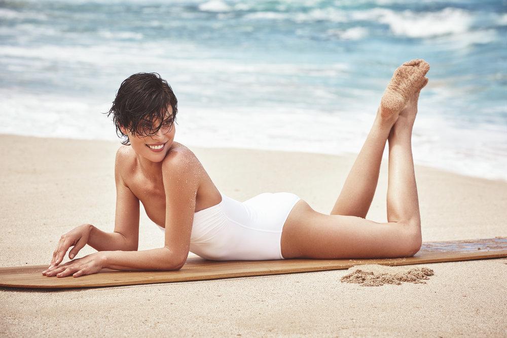 时尚芭莎 海边沙滩时尚大片 干净人像 时尚图库 第5张