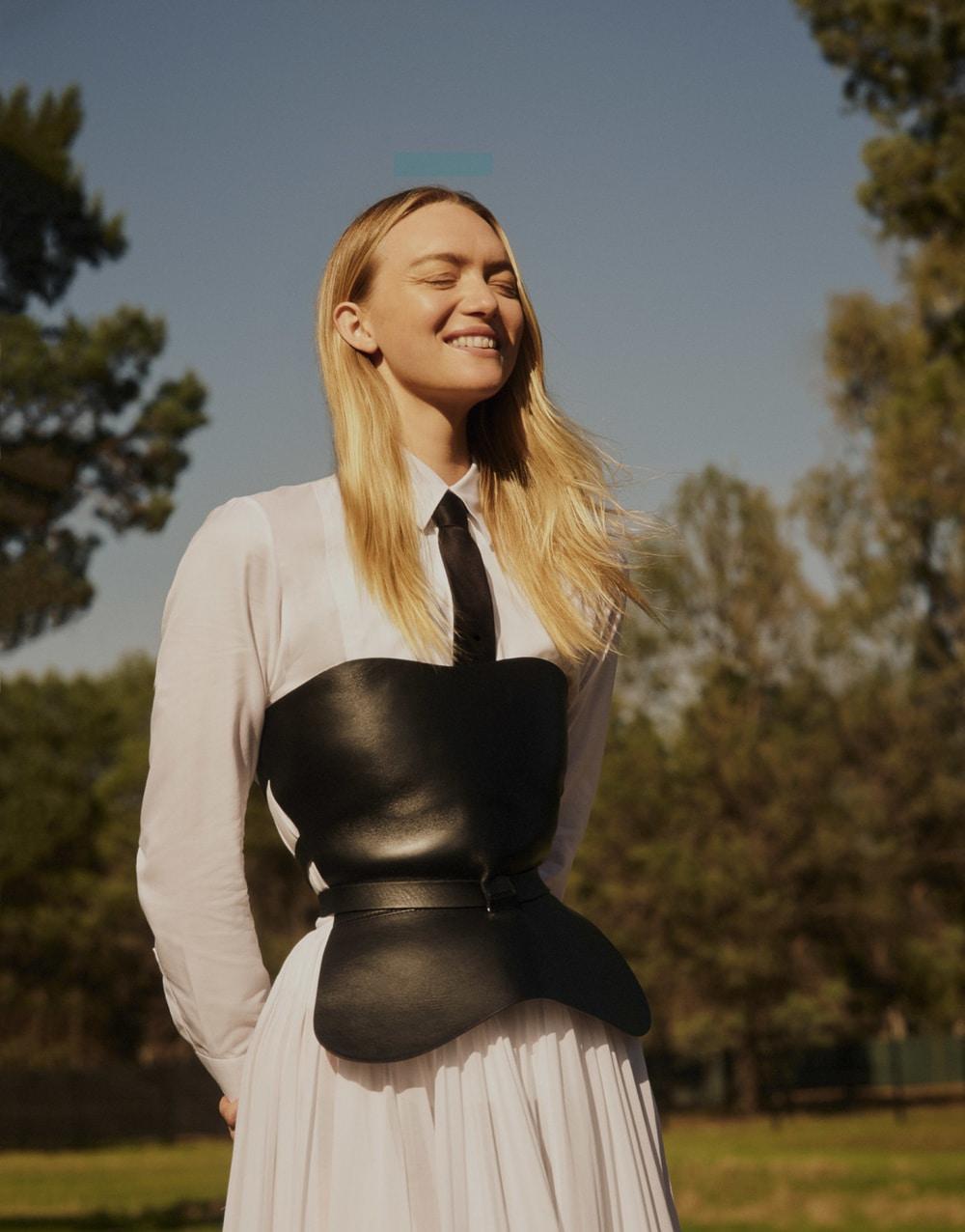 澳大利亚版《时尚芭莎》外景人像大片 时尚图库 第10张