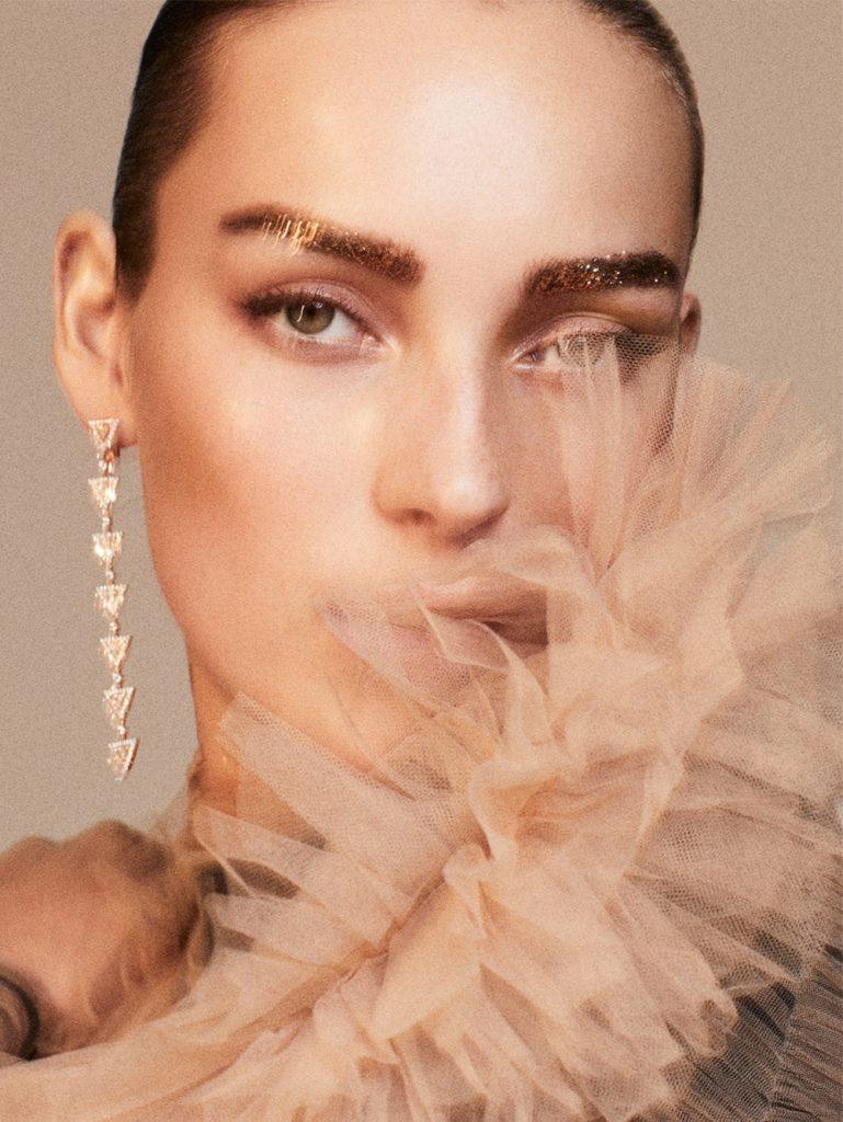 《Vogue》西班牙版2018年12月刊 棚拍人像作品 审美灵感 第1张