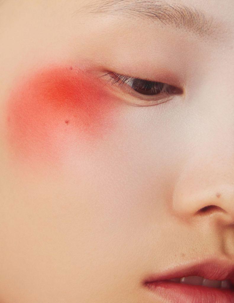 摄影师李若冰一组《时尚芭莎Harper′s Bazaar》妆容大片 时尚图库 第5张