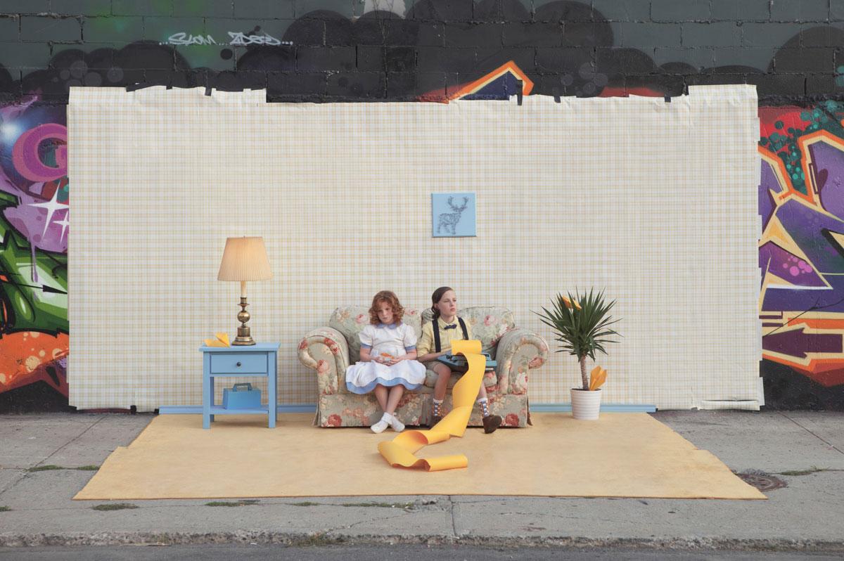摄影师Justin Bettman 创意摄影作品 SetintheStreet街头实景搭建拍摄 时尚图库 第15张