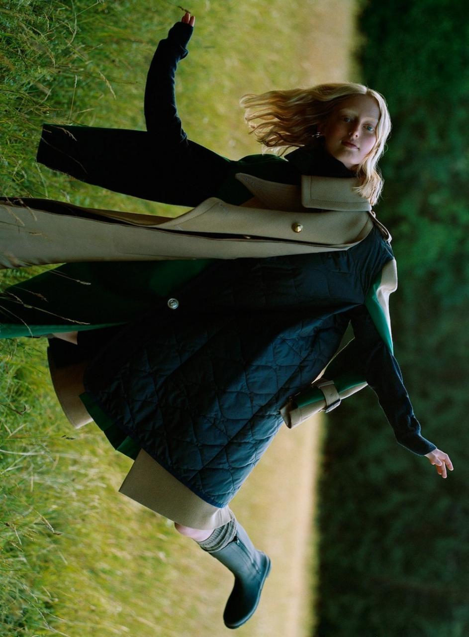 瑞典《ELLE》2018年11月刊 强烈的色彩冲击人像 时尚图库 第5张