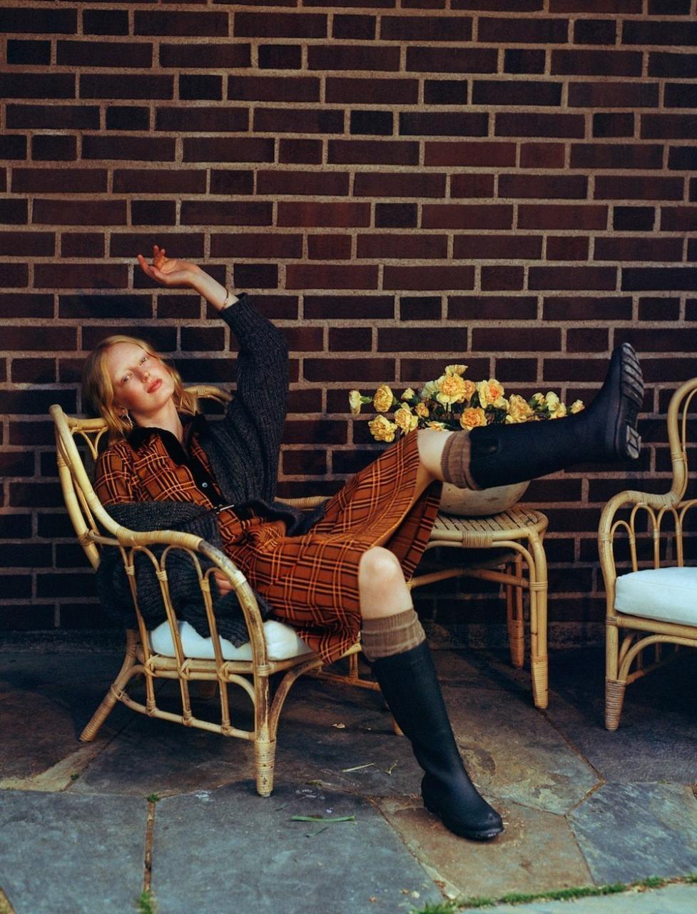 瑞典《ELLE》2018年11月刊 强烈的色彩冲击人像 时尚图库 第8张