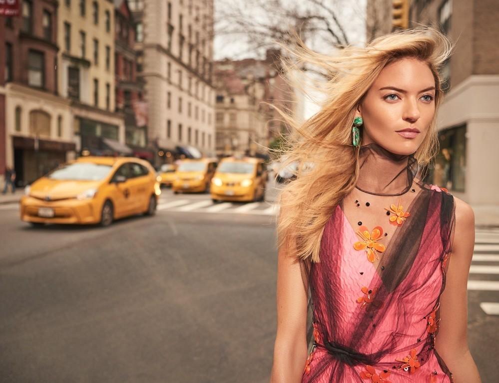 街头拍摄 哈萨克斯坦《Harper's Bazaar》11月刊 时尚图库 第6张