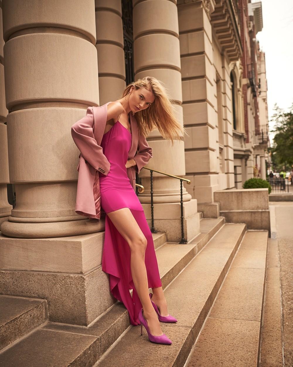 街头拍摄 哈萨克斯坦《Harper's Bazaar》11月刊 时尚图库 第4张