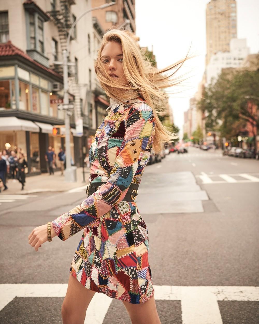 街头拍摄 哈萨克斯坦《Harper's Bazaar》11月刊 时尚图库 第2张