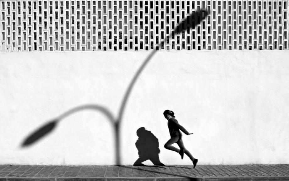 【街头】精彩的镜头瞬间定格照 街头摄影师Antonio E. Ojeda作品 审美灵感 第25张
