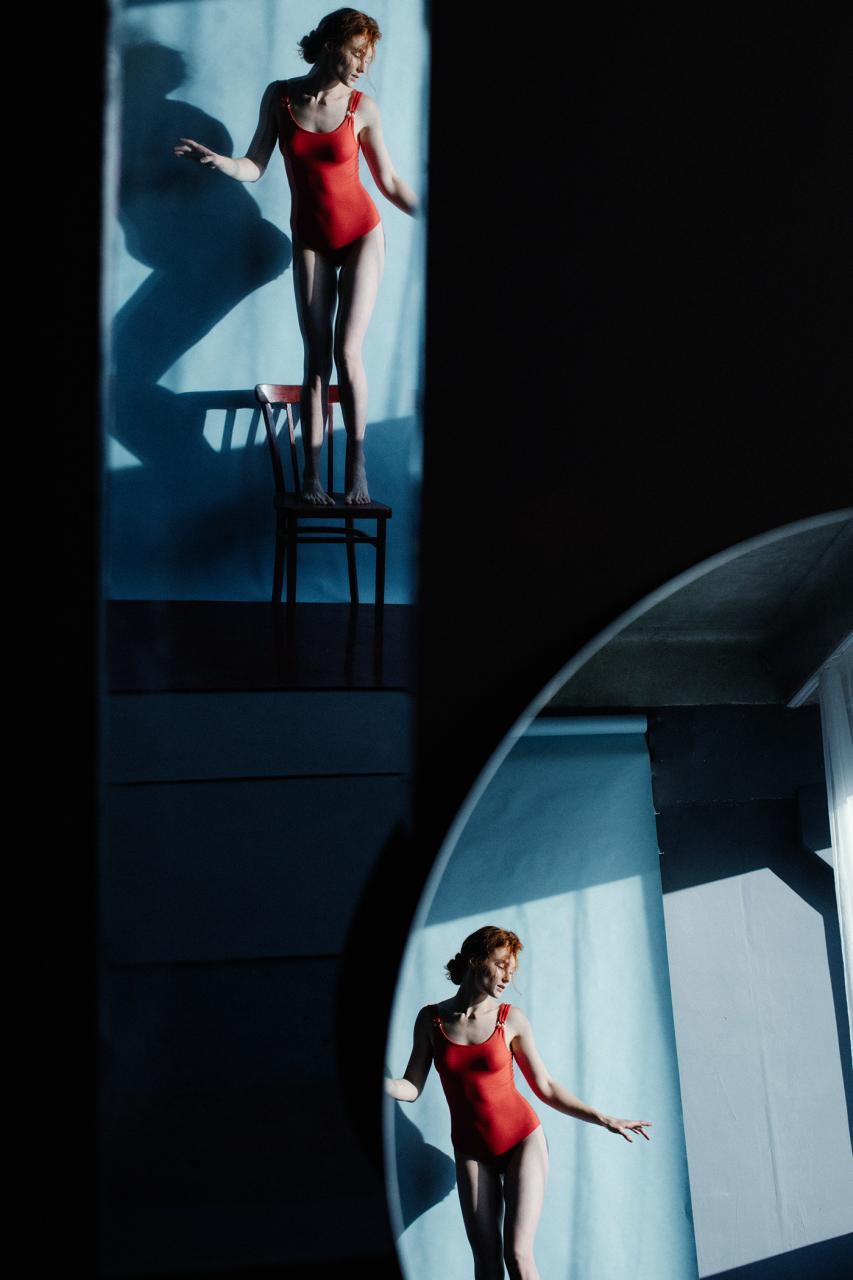 乌克兰摄影史 Marta Syrko人像作品【red and blue】 时尚图库 第2张