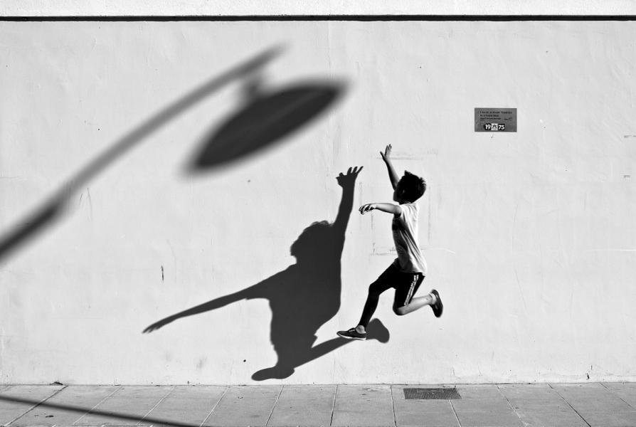 【街头】精彩的镜头瞬间定格照 街头摄影师Antonio E. Ojeda作品 审美灵感 第30张