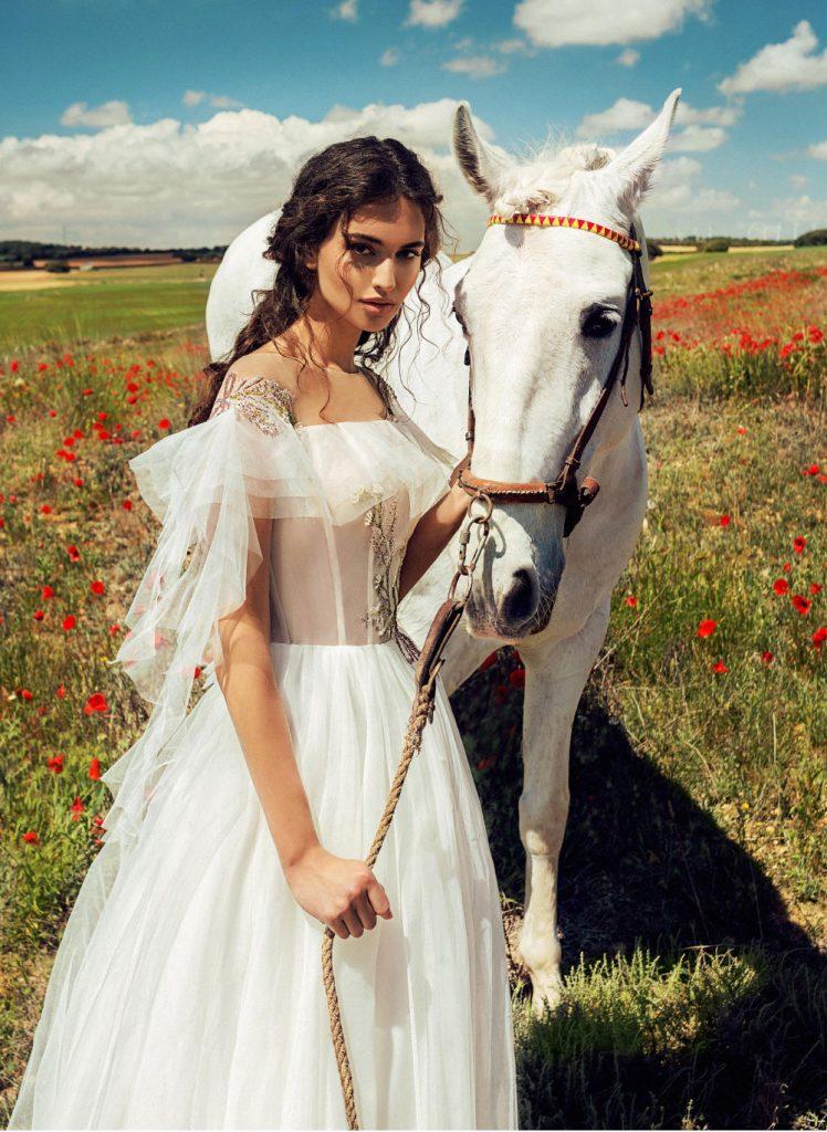 色彩非常强烈的一组外景人像 La Mancha 时尚图库 第22张