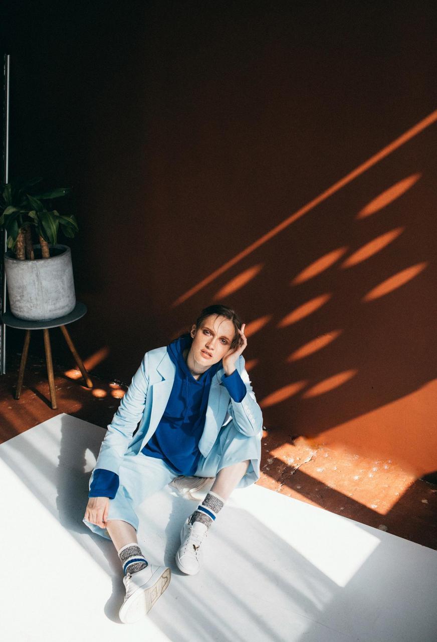 marta syrko 蓝色主题人像摄影作品 审美灵感 第4张