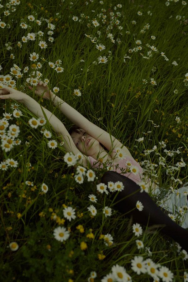摄影师Marta Bevacqua 低明度人像摄影作品【Springstorm】 时尚图库 第10张