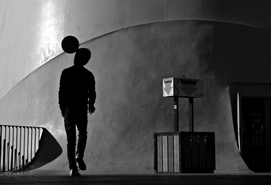 【街头】精彩的镜头瞬间定格照 街头摄影师Antonio E. Ojeda作品 审美灵感 第2张