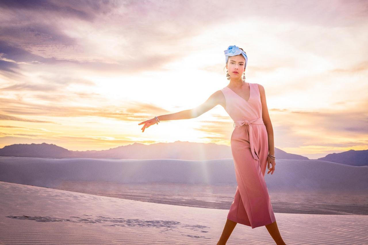 Elizaveta Porodina 摄影作品 The White Sands 服装色彩搭配 时尚图库 第1张