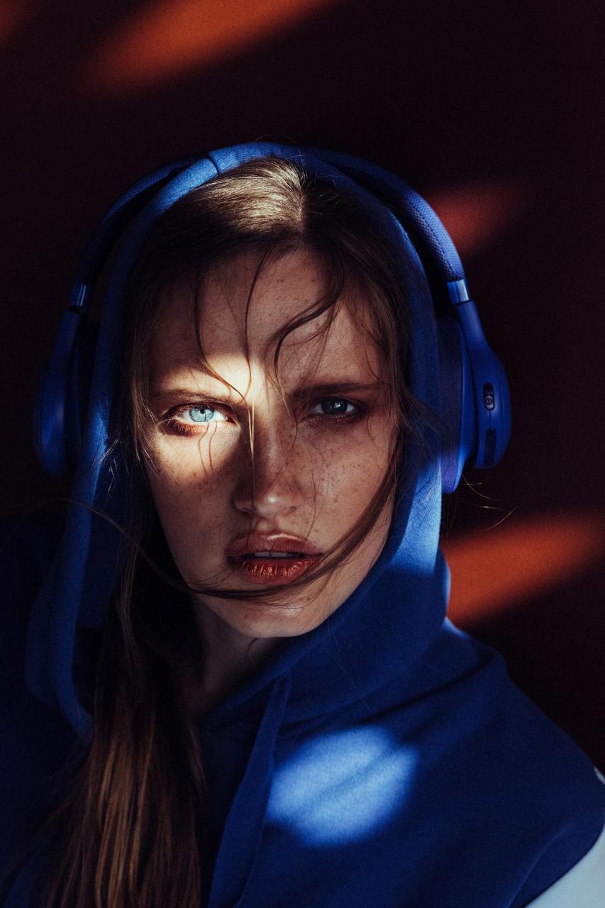 marta syrko 蓝色主题人像摄影作品 审美灵感 第3张