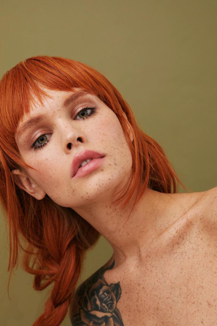 俄罗斯摄影师Kseniya Vetrova人像作品 雀斑女孩特写镜头 时尚图库 第5张