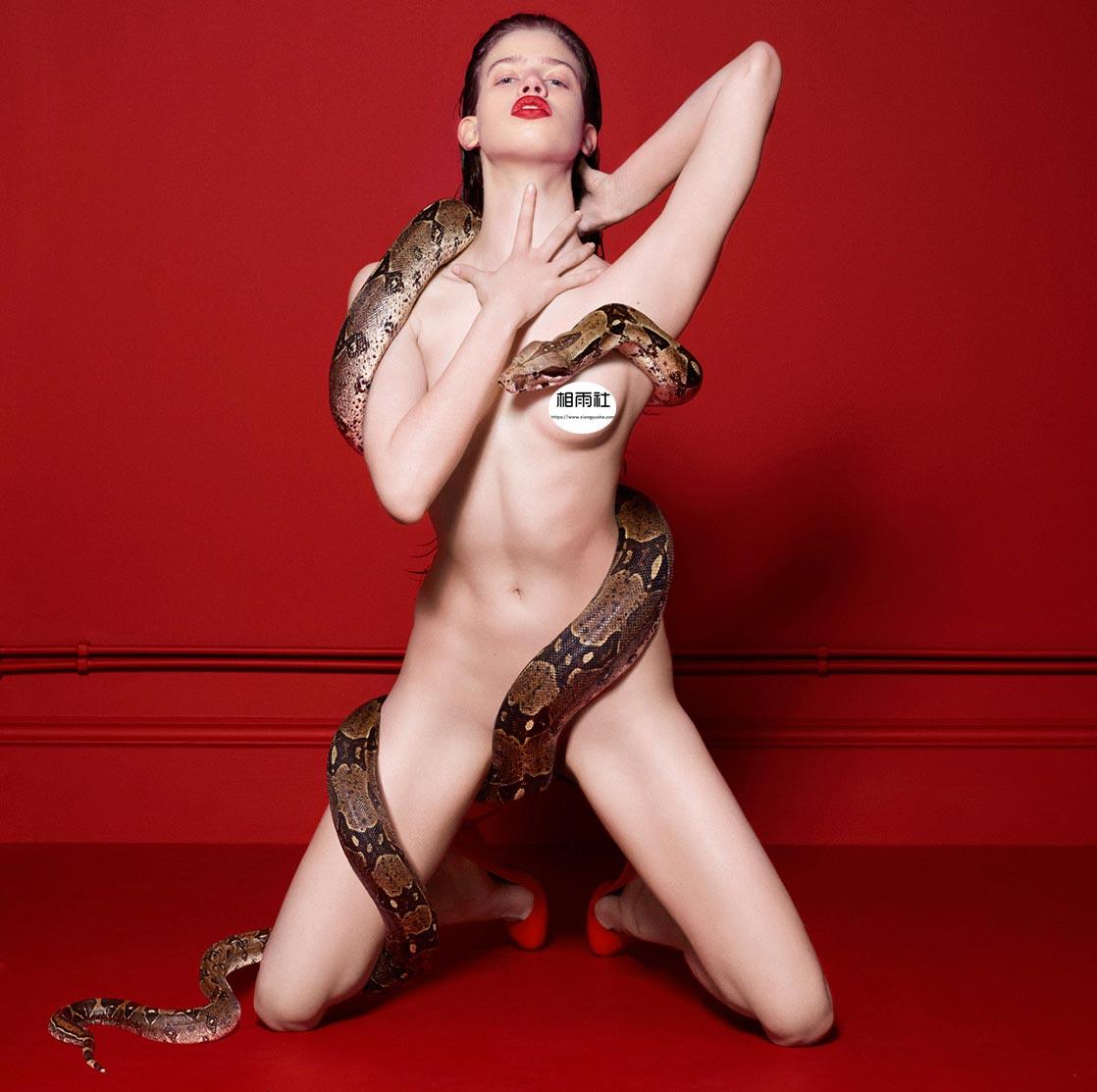 Antidote 杂志 red room的超现实主义大片 时尚图库 第2张