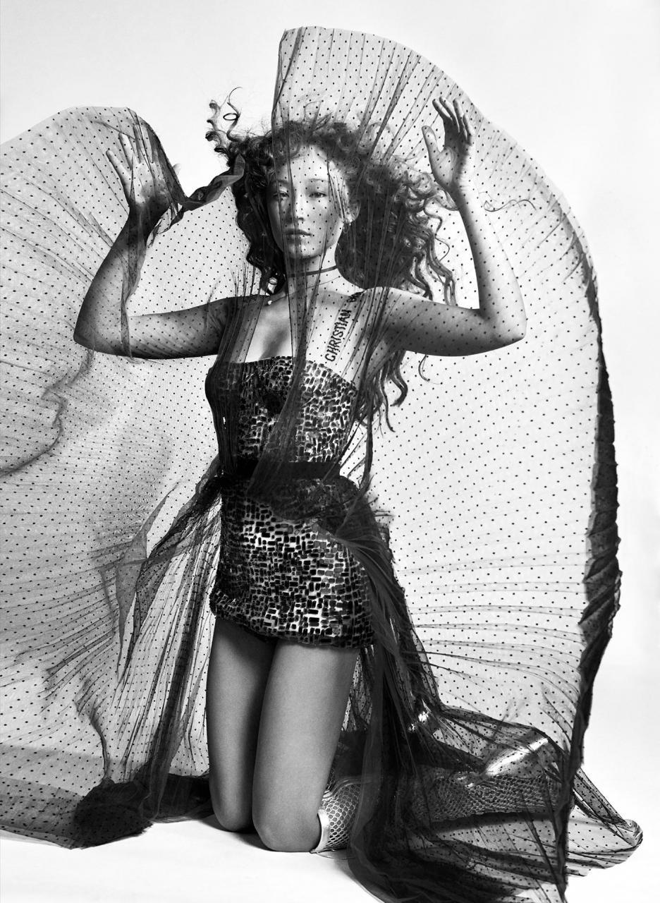 Elizaveta Porodina 红色主题摄影 Havana 时尚图库 第2张