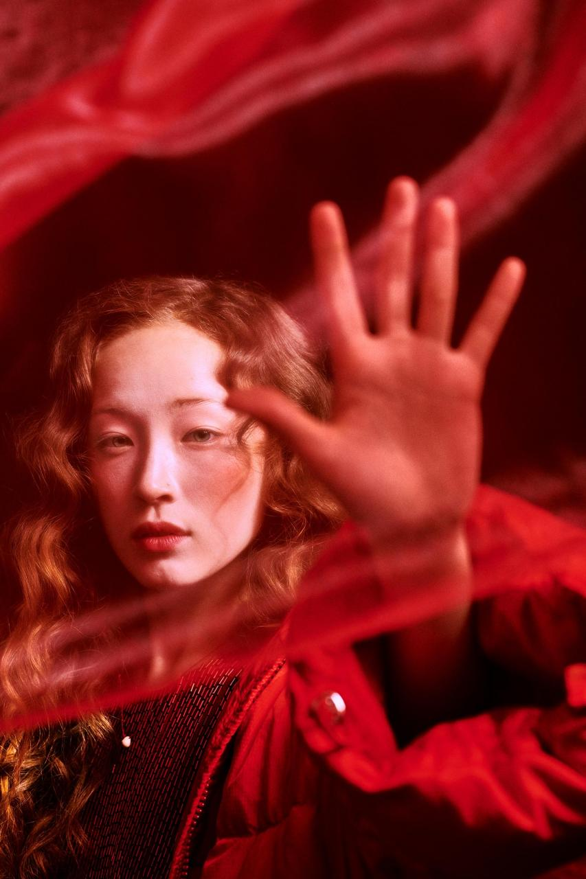 Elizaveta Porodina 红色主题摄影 Havana 时尚图库 第5张