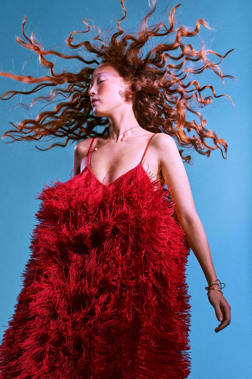 Elizaveta Porodina 红色主题摄影 Havana 时尚图库 第4张